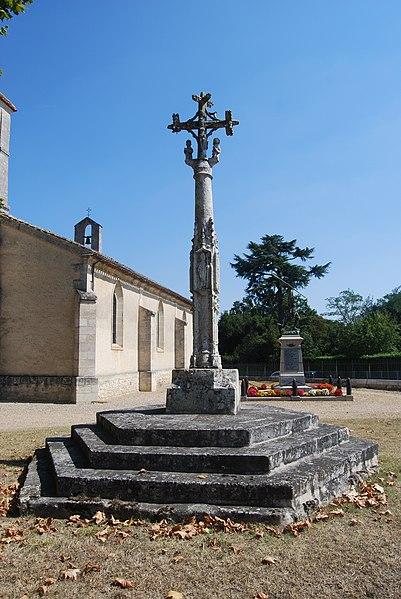 Photo du Monument Historique Croix de cimetière situé à Saint-Sulpice-et-Cameyrac