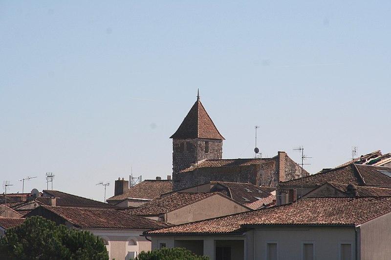 Photo du Monument Historique Maison dite Tour du Temple situé à Sainte-Foy-la-Grande