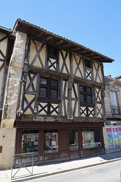 Photo du Monument Historique Maison à pans de bois situé à Sainte-Foy-la-Grande