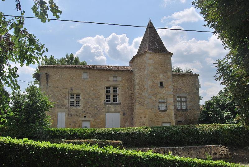 Photo du Monument Historique Ancienne Maison noble de Pilets situé à Sainte-Radegonde