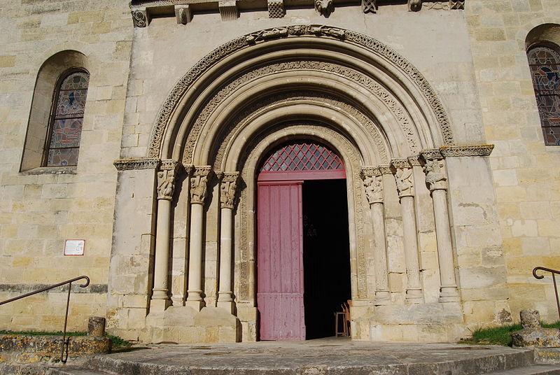 Photo du Monument Historique Eglise Saint-Romain situé à Targon