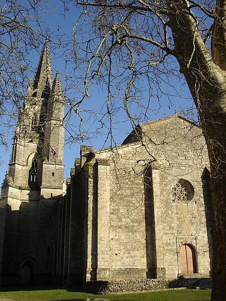 Photo du Monument Historique Eglise collégiale Notre-Dame situé à Uzeste
