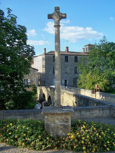 Photo du Monument Historique Croix de chemin situé à Pondaurat