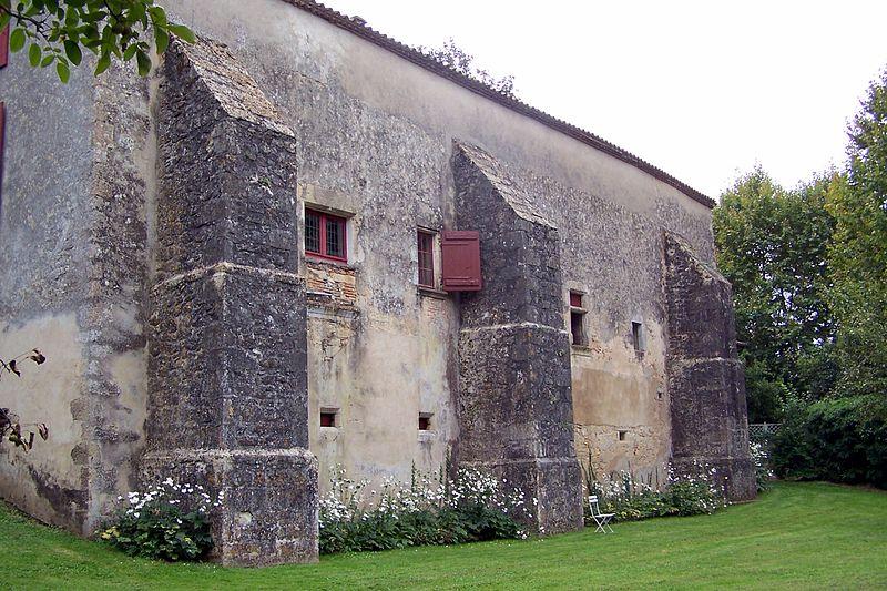 Photo du Monument Historique Maison à contreforts situé à Pondaurat