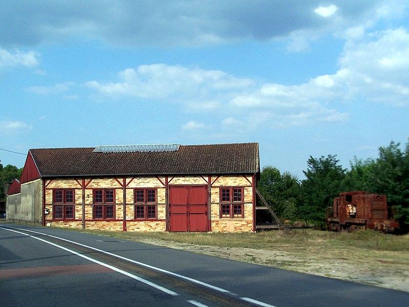 Photo du Monument Historique Ancien Atelier des Chemins de Fer Economiques de la Gironde situé à Saint-Symphorien