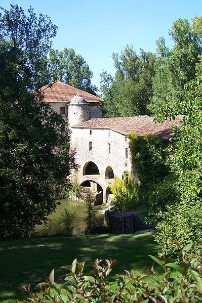 Photo du Monument Historique Moulin de Loubens situé à Landerrouet-sur-Ségur