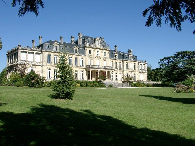 Photo du Monument Historique Château Bourran situé à Mérignac