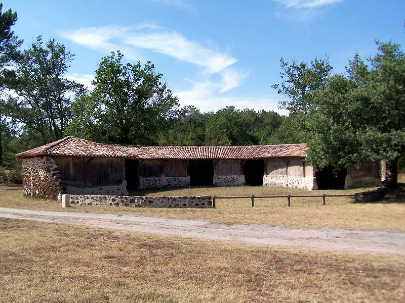 Photo du Monument Historique Ancienne Bergerie ronde situé à Goualade