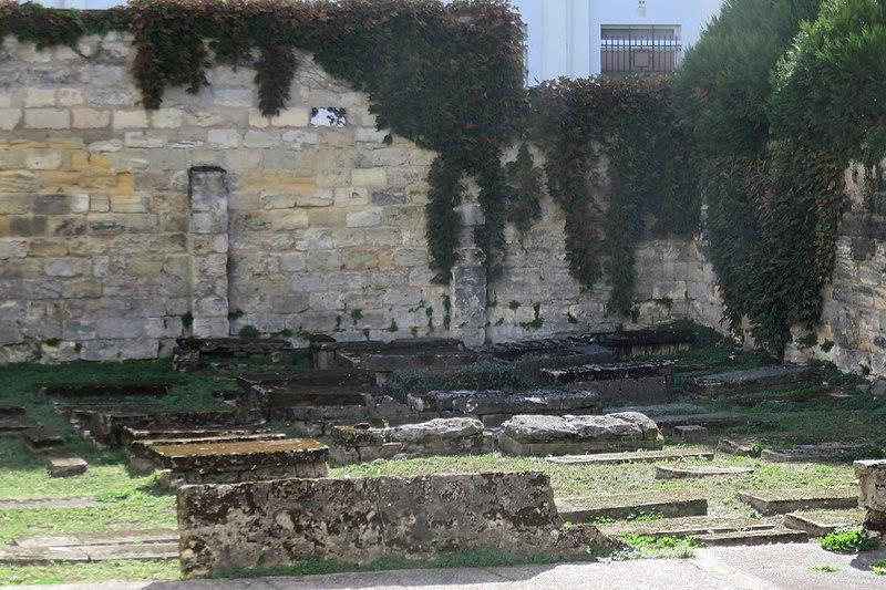 Photo du Monument Historique Cimetière israélite situé à Bordeaux