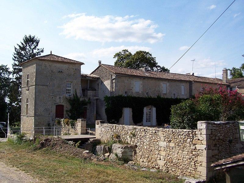 Photo du Monument Historique Château de Vaure situé à Ruch