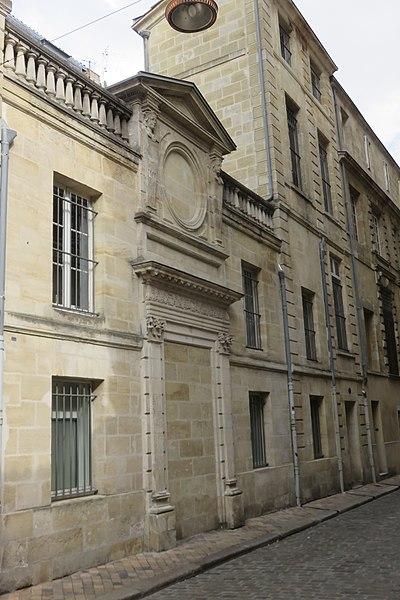 Photo du Monument Historique Fontaine Daurade situé à Bordeaux