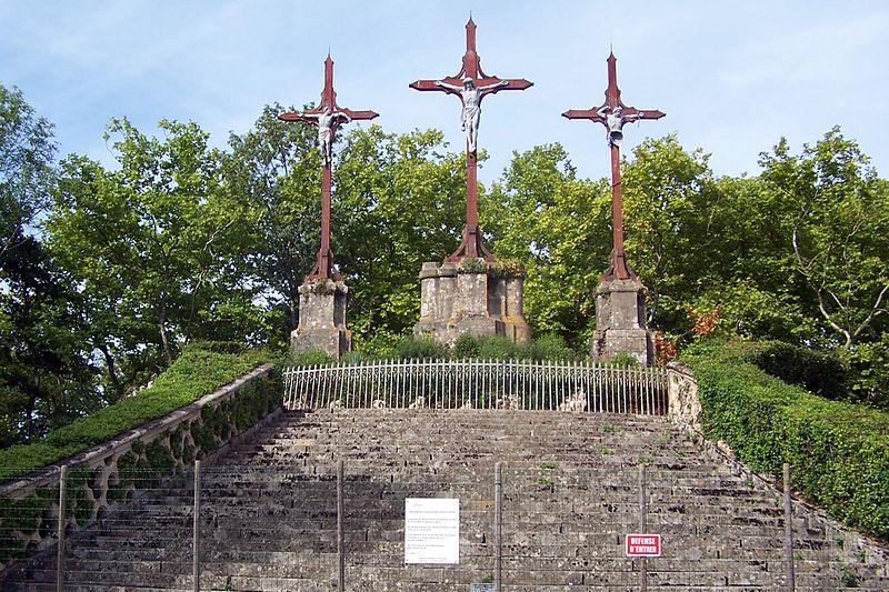 Photo du Monument Historique Site de pèlerinage de Verdelais : Chemin de croix et calvaire de Verdelais situé à Verdelais