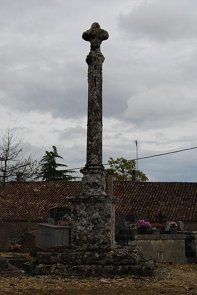 Photo du Monument Historique Croix de cimetière situé à Courpiac