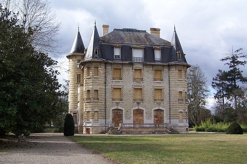 Photo du Monument Historique Château Chavat situé à Podensac