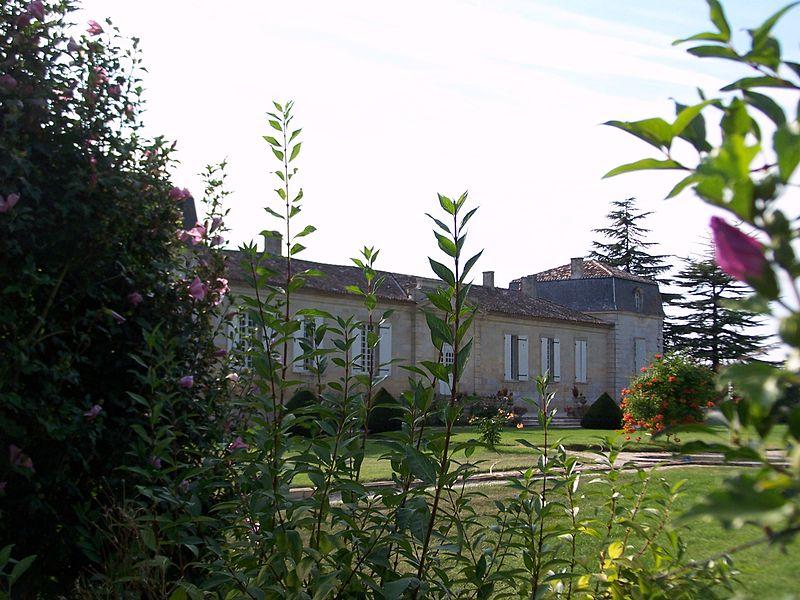 Photo du Monument Historique Château Les Rochers situé à Preignac