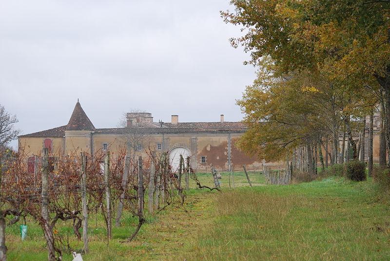 Photo du Monument Historique Château de Tustal situé à Sadirac