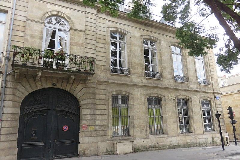 Photo du Monument Historique Hôtel dit de la Faïencerie situé à Bordeaux