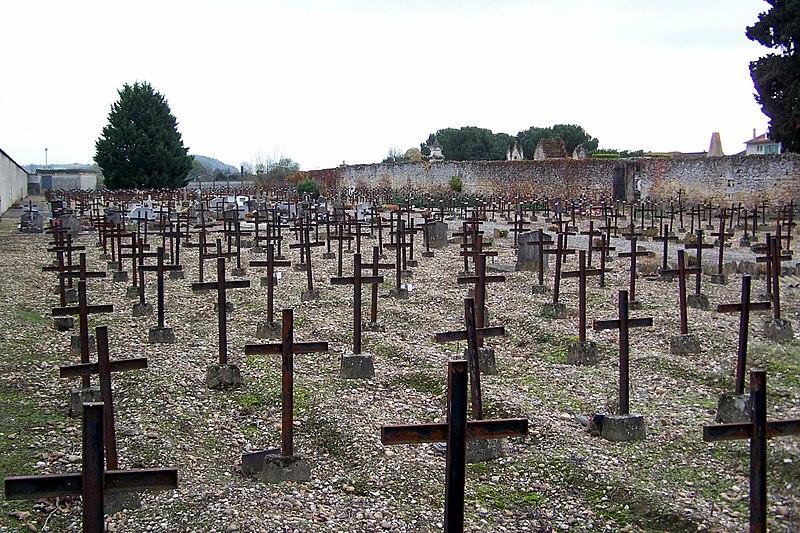Photo du Monument Historique Cimetière dit  cimetière des Oubliés situé à Cadillac