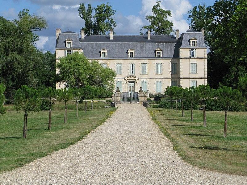 Photo du Monument Historique Château Citran situé à Avensan
