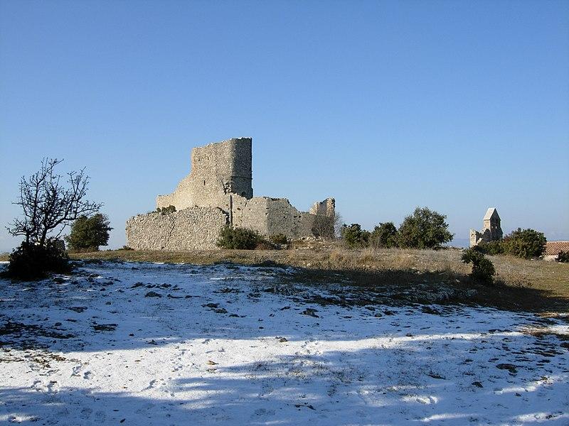 Photo du Monument Historique Ensemble médiéval du Castellas situé à Aumelas