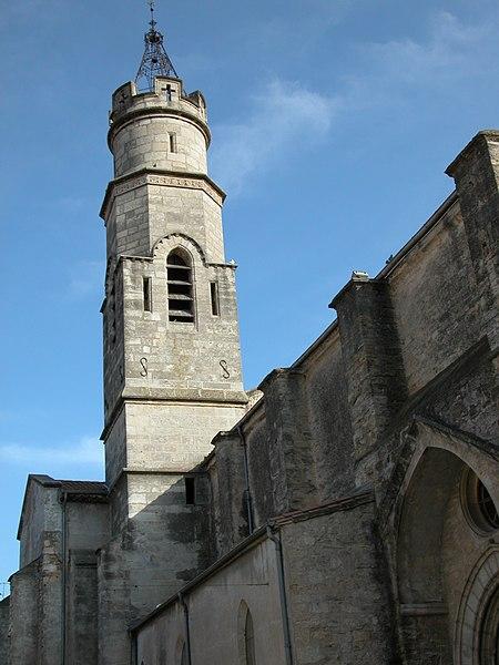 Photo du Monument Historique Eglise paroissiale Saint-Saturnin situé à Cazouls-lès-Béziers