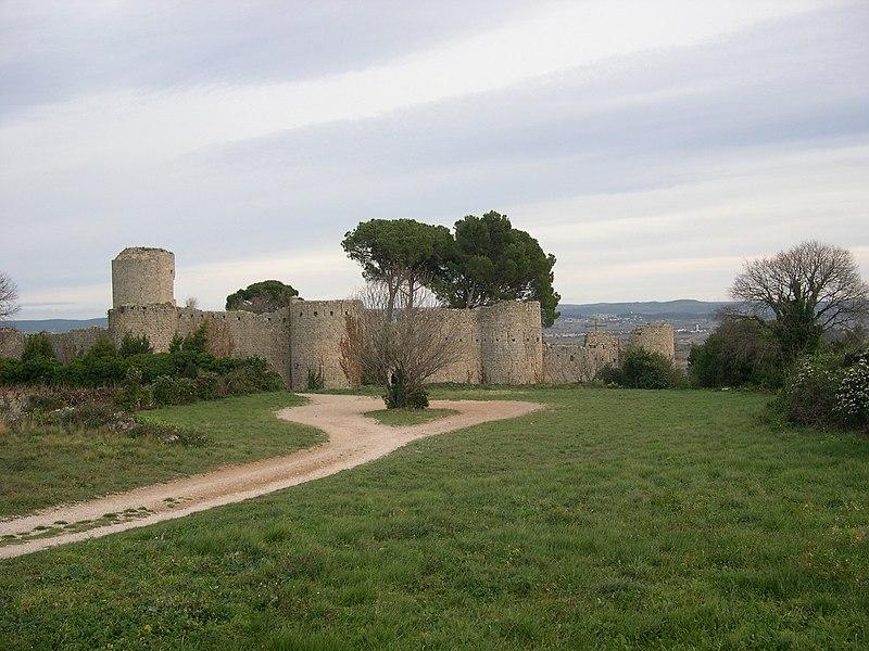 Photo du Monument Historique Restes du château situé à Clermont-l'Hérault