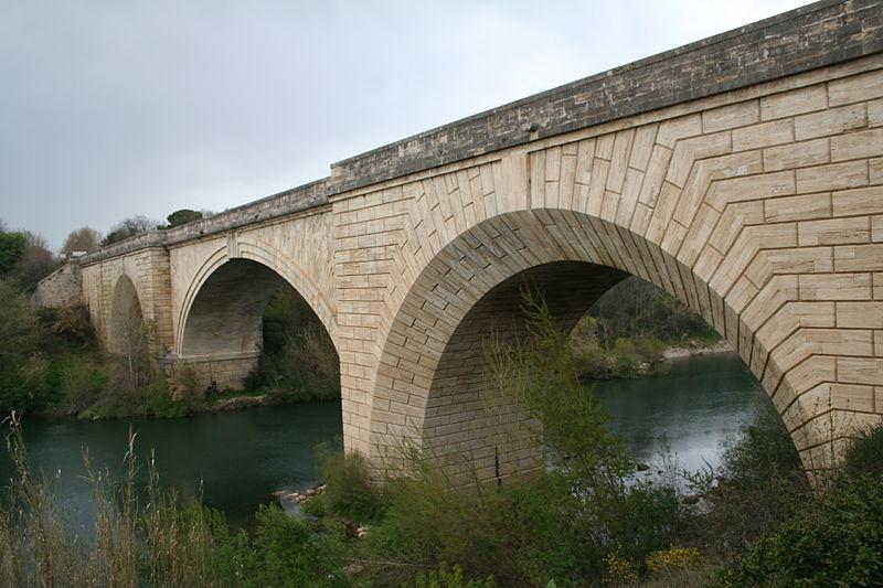 Photo du Monument Historique Pont sur l'Hérault situé à Gignac