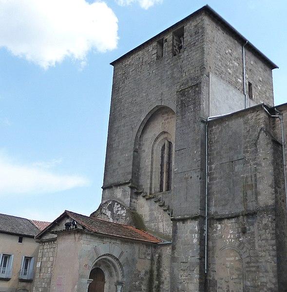 Photo du Monument Historique Ancienne abbaye Saint-Pierre de Lunas situé à Joncels