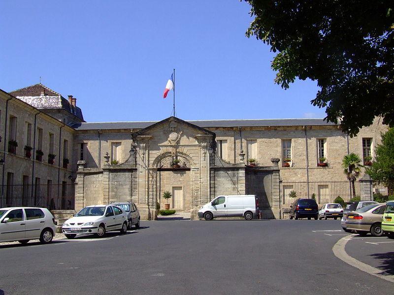 Photo du Monument Historique Ancien groupe épiscopal situé à Lodève
