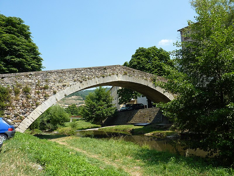 Photo du Monument Historique Pont de Montifort situé à Lodève