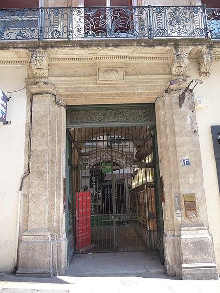 Photo du Monument Historique Hôtel de Bénézet situé à Montpellier