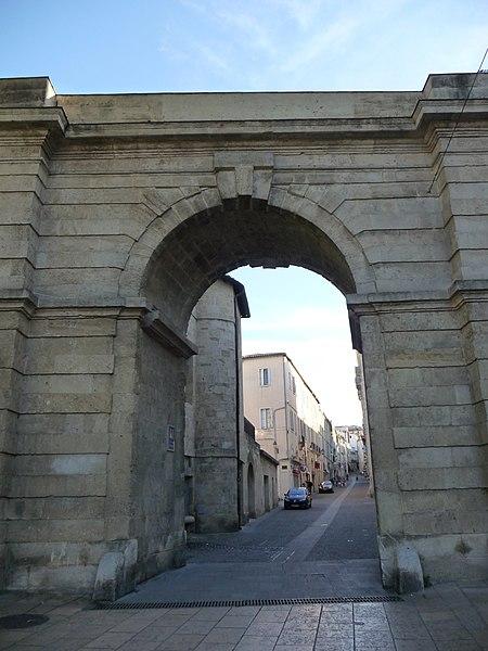 Photo du Monument Historique Porte de la Blanquerie situé à Montpellier