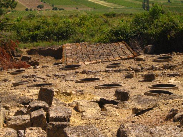 Photo du Monument Historique Oppidum d'Ensérune situé à Nissan-lez-Enserune