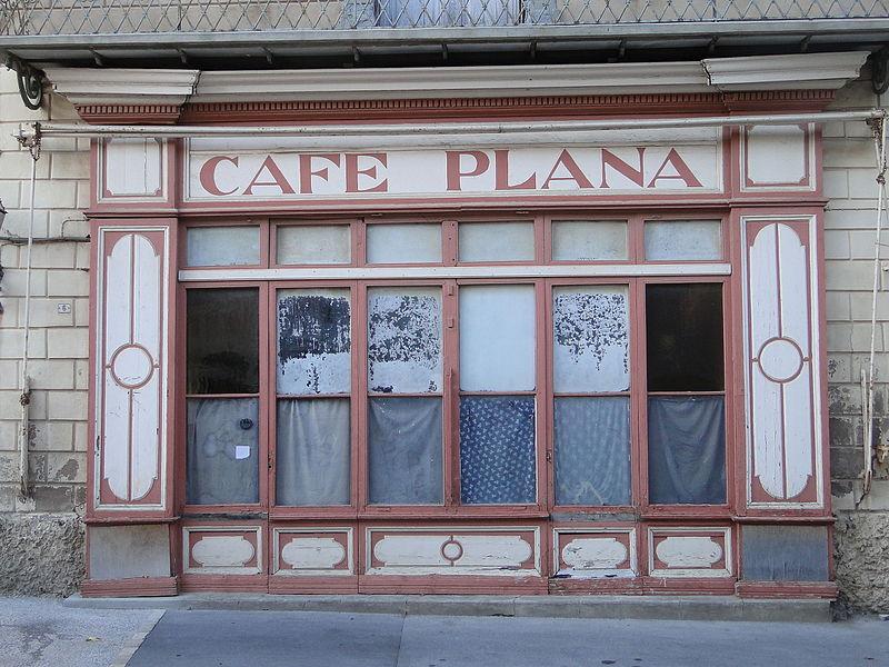 Photo du Monument Historique Café Plana situé à Olonzac
