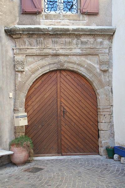 Photo du Monument Historique Maison Vergnes situé à Péret