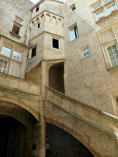 Photo du Monument Historique Hôtel de Nizas situé à Pézenas