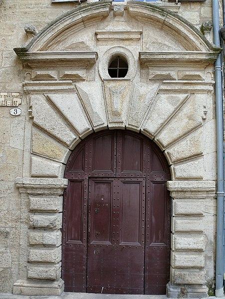 Photo du Monument Historique Immeuble situé à Pézenas