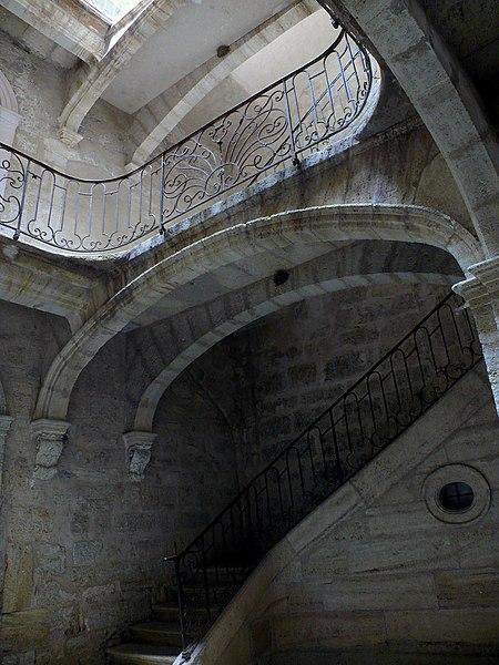 Photo du Monument Historique Maison des Pauvres situé à Pézenas