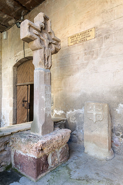 Photo du Monument Historique Croix de carrefour situé à Puech (Le)
