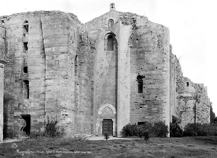 Photo du Monument Historique Ensemble historique et archéologique de la cité épiscopale et canoniale de Maguelone situé à Villeneuve-lès-Maguelone