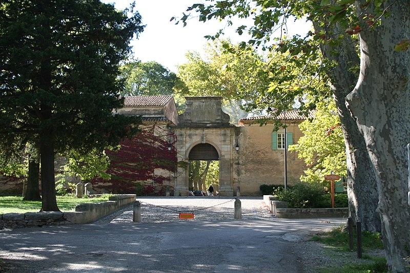 Photo du Monument Historique Ancienne cité manufacturière de Villeneuvette situé à Villeneuvette; Clermont-l'Hérault; Mourèze