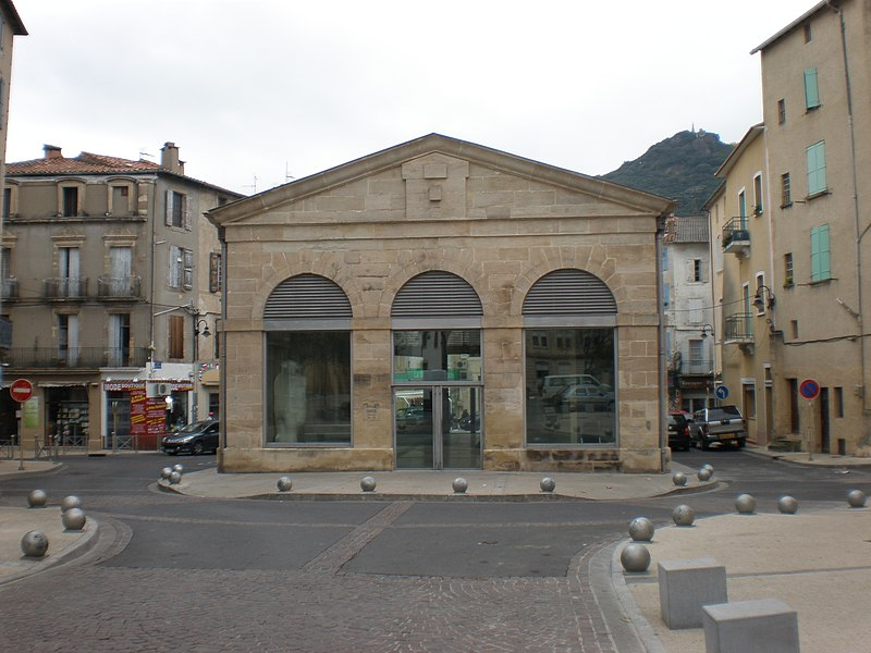 Photo du Monument Historique Halles situé à Lodève