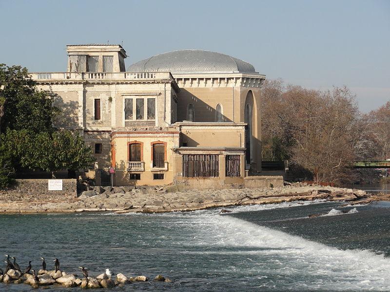 Photo du Monument Historique Villa dite château Laurens situé à Agde