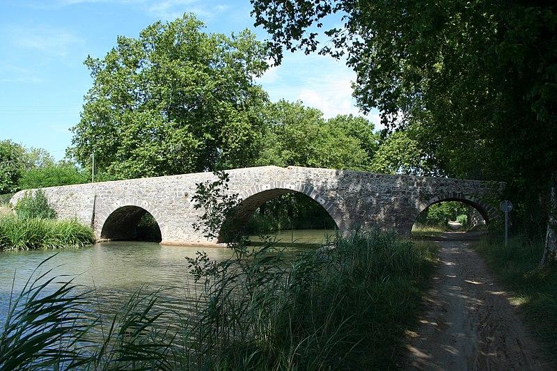 Photo du Monument Historique Canal du Midi (pont Saint-Joseph) situé à Agde