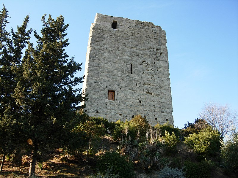 Photo du Monument Historique Site du Castellas situé à Gignac