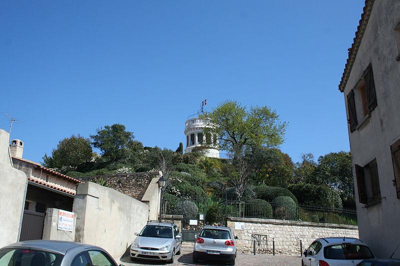 Photo du Monument Historique Ancienne motte féodale et jardin de la Motte situé à Mauguio