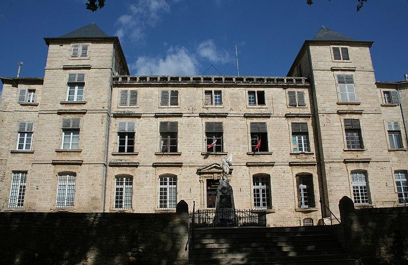 Photo du Monument Historique Château des Bashy du Cayla, dit du Comte de Turenne (actuel hôtel de ville) situé à Pignan
