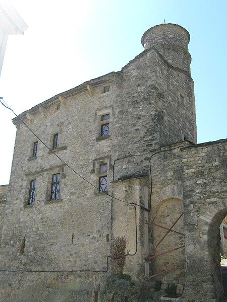Photo du Monument Historique Maison du Bailli ou «manoir Toulouse-Lautrec» à Boussagues situé à La Tour-sur-Orb