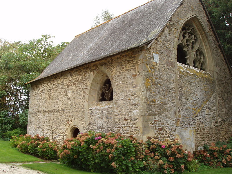 Photo du Monument Historique Chapelle du Pinel et puits voisin situé à Argentré-du-Plessis