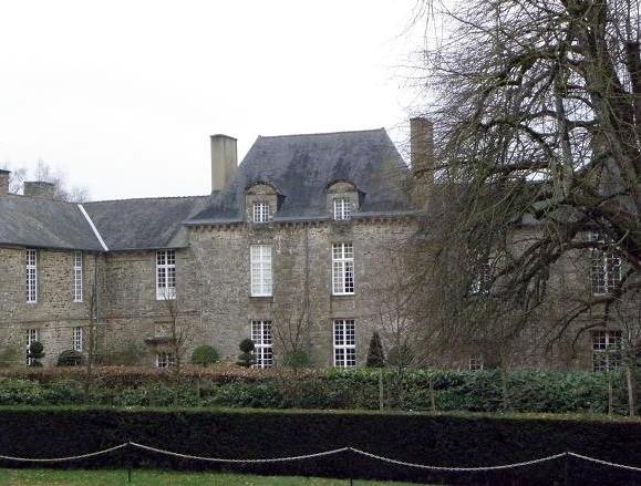 Photo du Monument Historique Château de la Ballue situé à Bazouges-la-Pérouse